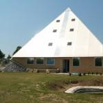Pyramida boční pohled s větráním